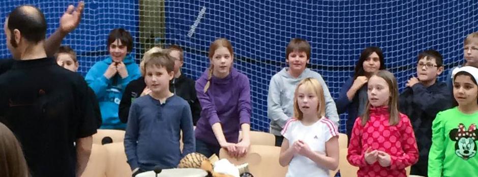 Kids in der Trommel-AG